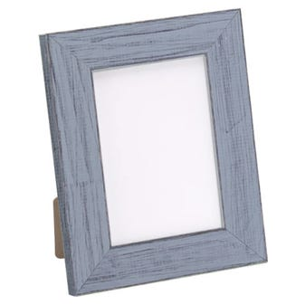 Rustic gray table top frame with a chalk paint finish.