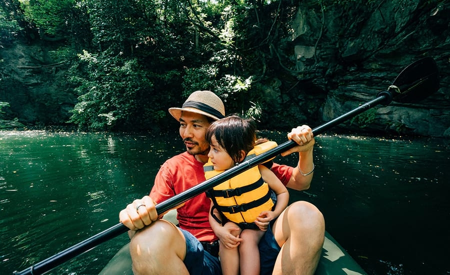 Photo fo Father and Daughter Kayaking