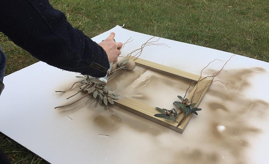 Spray Painting an Unfinished Picture Frame